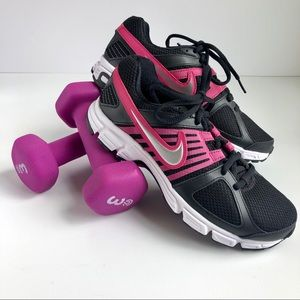 NWOT Nike Downshifter 5 size 5.5 black and pink